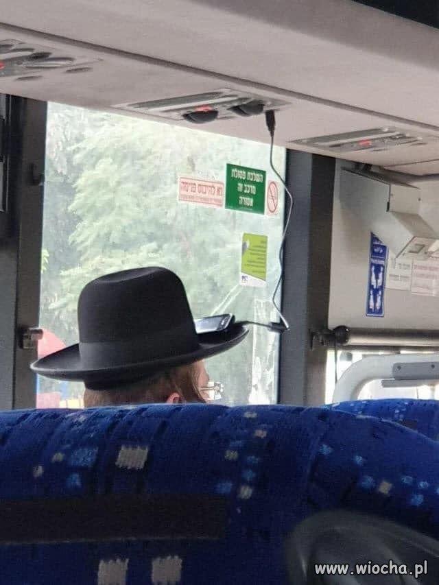 No i teraz wiem po co im kapelusze