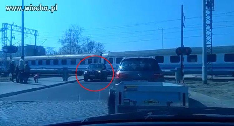 """""""Mistrz kierownicy ucieka"""""""