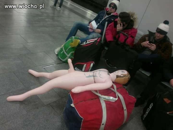Razu pewnego na lotnisku
