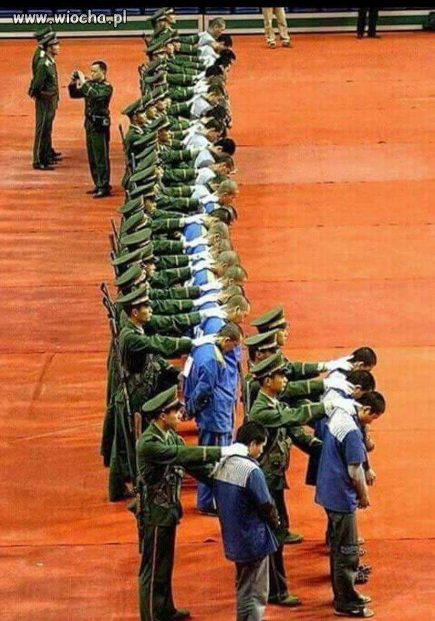 Egzekucja 27 skorumpowanych polityków w Chinach.