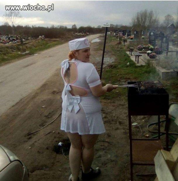 Cmentarny grill.
