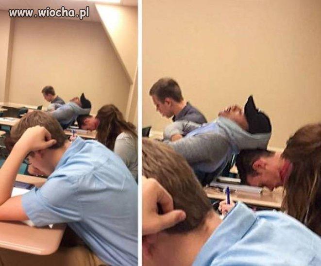 Te zajęcia musiały być chol**nie nudne.