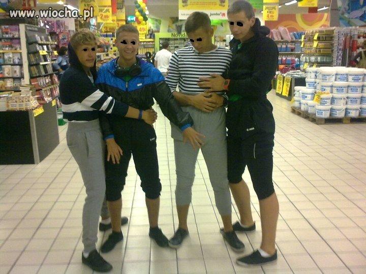 Geje w supermarkecie ; D .