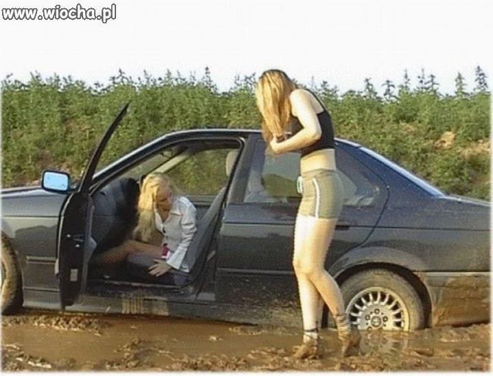 Blond kierowca
