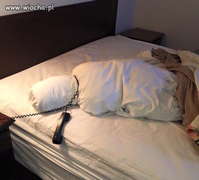 Po nocnym pobycie w hotelu.