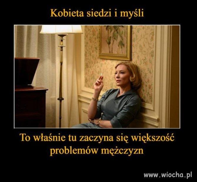 Kobieta siedzi i myśli...