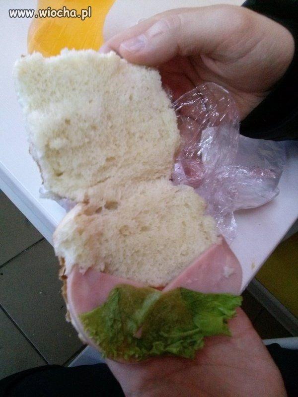 Taką kanapkę kupiłem na pewnej stacji benzynowej