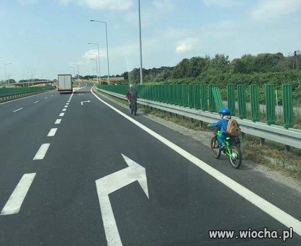 Wycieczka rowerowa z synem ... expresówką