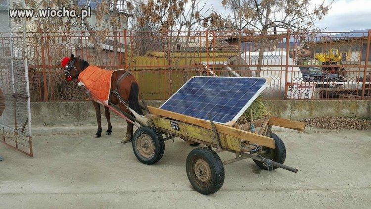 Z bateriami słonecznymi.