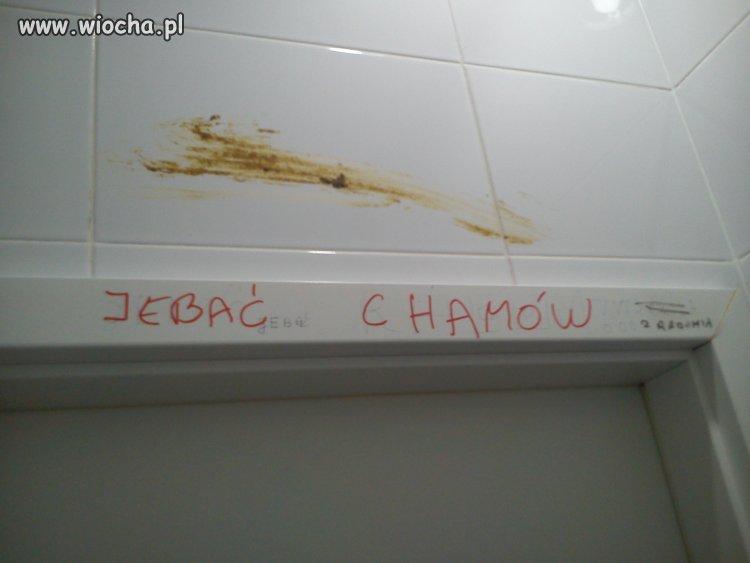 Poezja w toalecie w pracy