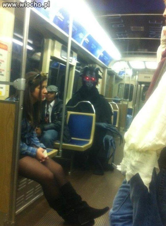 Szatan też jeździ mpk