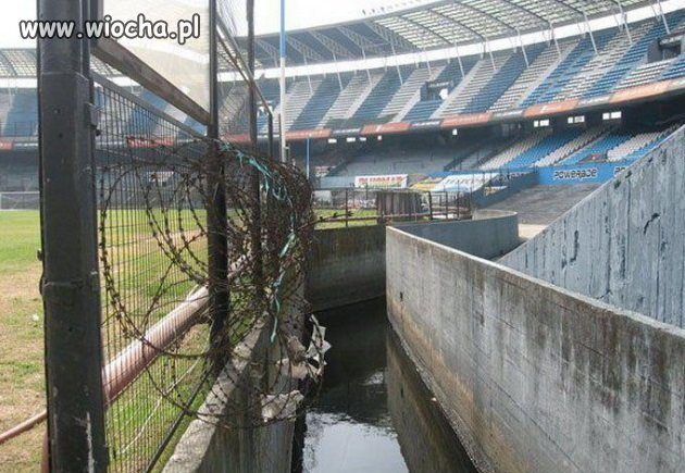Fosa na stadionie